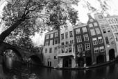 Kamienice przy kanale