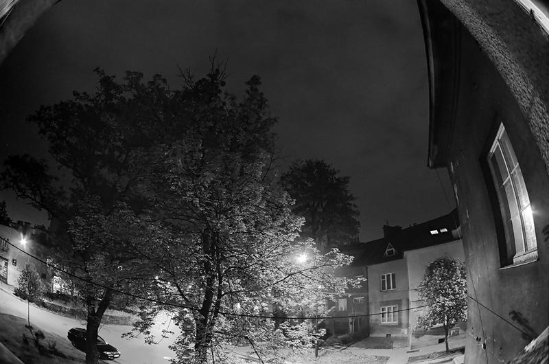 Na ulicy Józefa Narzymskiego w nocy, Kraków.