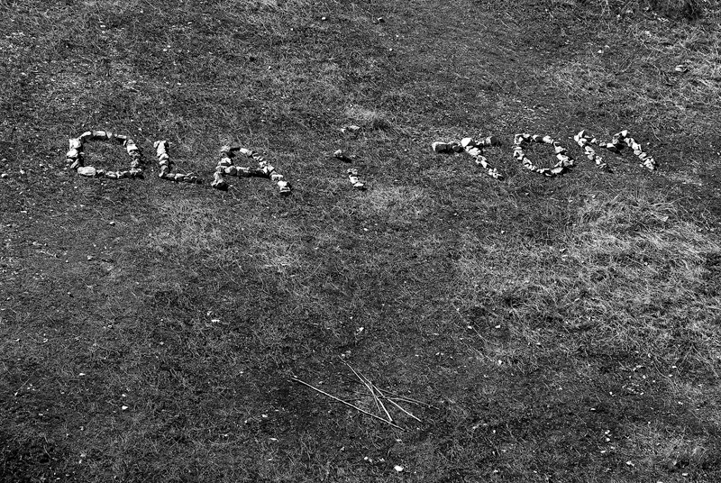 Podpis z kamieni.