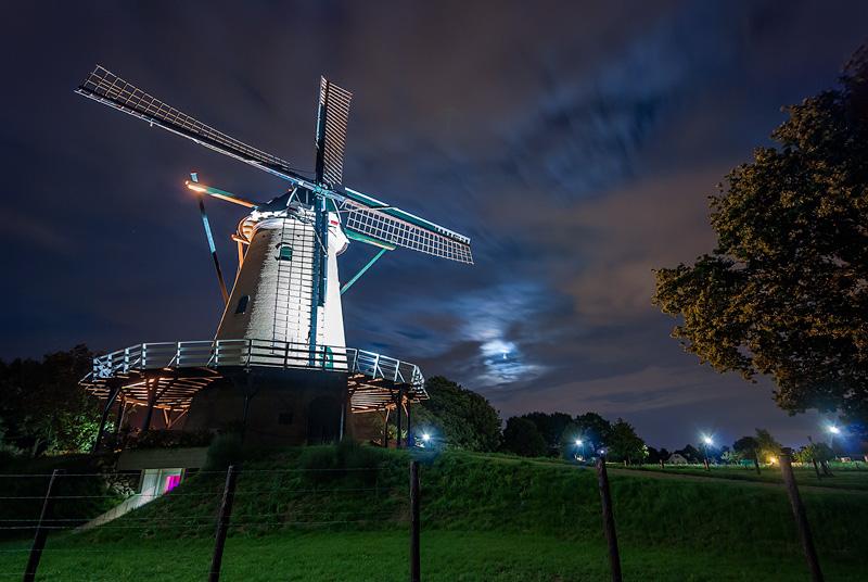 Wiatrak w nocy, Netherlands.